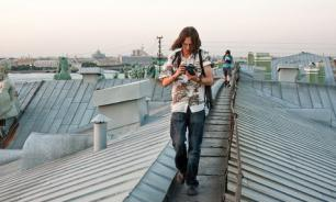 Власти Петербурга хотят запретить туристам гулять по крышам