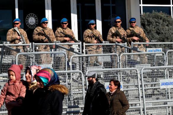 В эпидемии Турция идет по пути Италии и уходит из Сирии