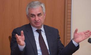 Парламент Абхазии удовлетворил прошение Хаджимбы об отставке