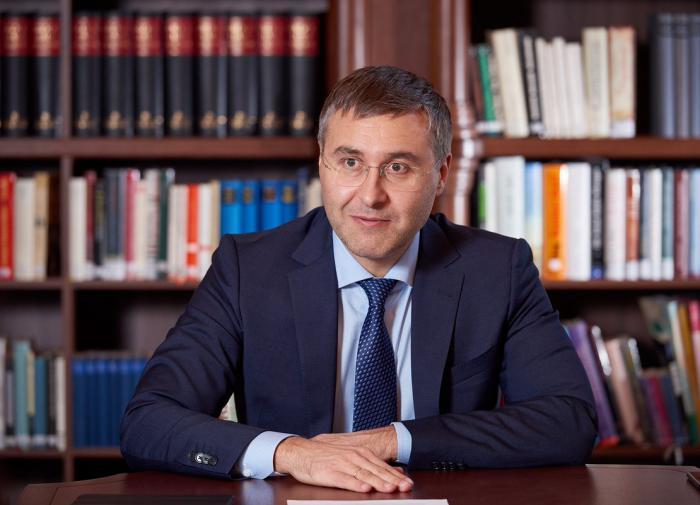 Фальков призвал молодёжь при выборе вуза не следовать моде