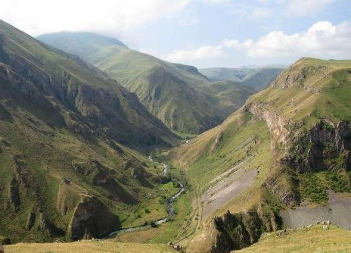 Война в Нагорном Карабахе ведётся по-современному