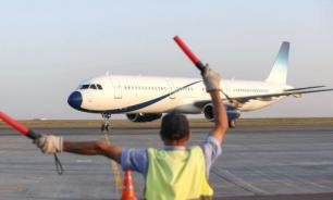 """В аэропорту """"Шереметьево"""" столкнулись 2 самолета"""