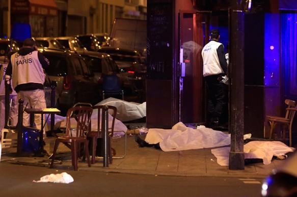 Жертвами терактов в Париже стали 153 человека. Объявлено чрезвычайное положение