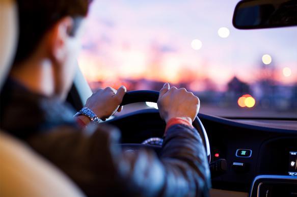 Эксперты: ближайшие 10 лет водителям и продавцам не грозит безработица