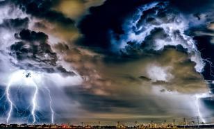 Как обезопасить себя от удара молнии, объяснил заслуженный спасатель
