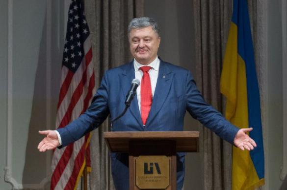 Порошенко посоветовал Зеленскому усилить санкционное давление на РФ