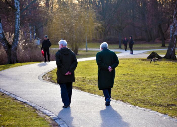 Половина россиян испытывает трудности в общении с пожилыми родителями