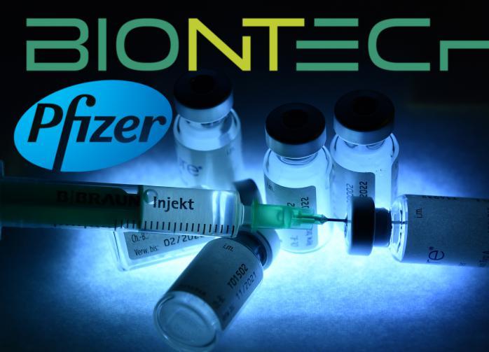 При одобрении вакцин Pfizer и Moderna на регулятора ЕС оказали давление