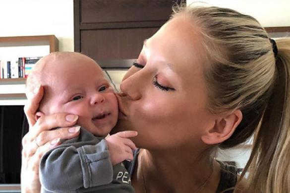 Курникова и Иглесиас ждут третьего ребёнка