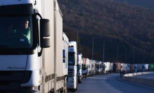 """Киев пытается """"разрулить"""" проблему с транзитом большегрузов"""