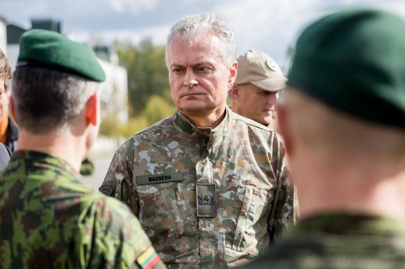 Глава Литвы отметил важность постоянного присутствия войск США в стране