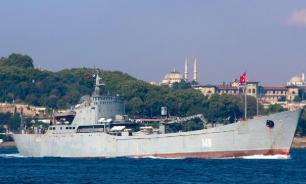 Большой десантный корабль ВМФ России сломался в Сирии