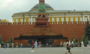 Андрей Андреев прокомментировал инициативу о переносе тела Ленина