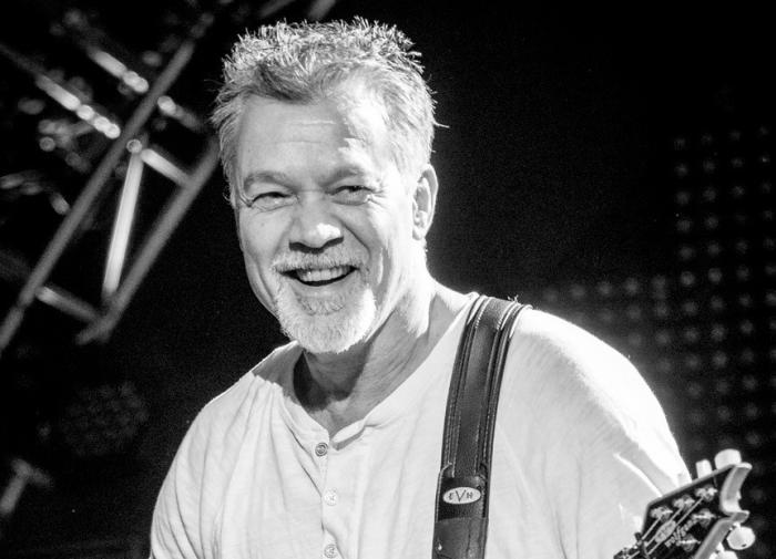Умер легендарный гитарист Эдди Ван Хален