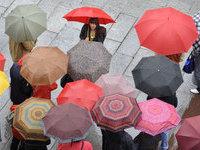 Прогнозы: в Москву придут дожди, в Петербург - шторм.