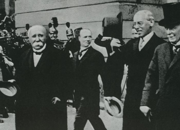 """Версальский договор — """"похабный мир"""" для немцев"""