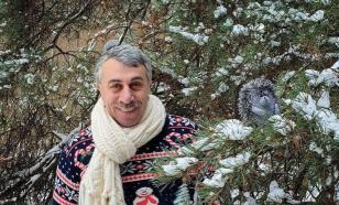 Комаровский призвал запретить детям ингаляции над горячей картошкой