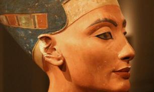 Археологи заявили о возможной находке могилы Нефертити