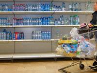 В новосибирском супермаркете экспедитора задавило продуктами.