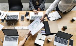 Конкуренция на работе побуждает коллег к злорадству и насмешкам
