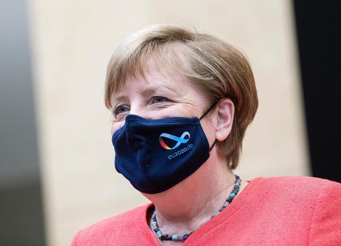 """Не замена, а дополнение: Меркель разъяснила Вашингтону суть """"СП-2"""""""
