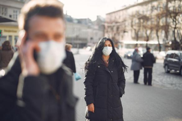 В воскресенье в мире число больных с COVID-2019 выросло на 82 тысячи