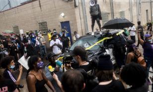 В Миннеаполисе во время беспорядков сожгли полицейский участок