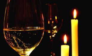 Исследование: Бокал шампанского поможет продлить половой акт