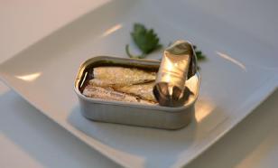 Роскачество обнаружило фальсифицированные рыбные консервы