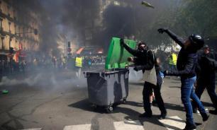 Французы протестуют против пенсионной реформы: 90 человек задержаны