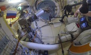 """Робот """"Федор"""" упражнялся работать с дрелью на МКС"""