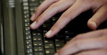 Сноуден рассказал о кибератаках спецслужб США против России