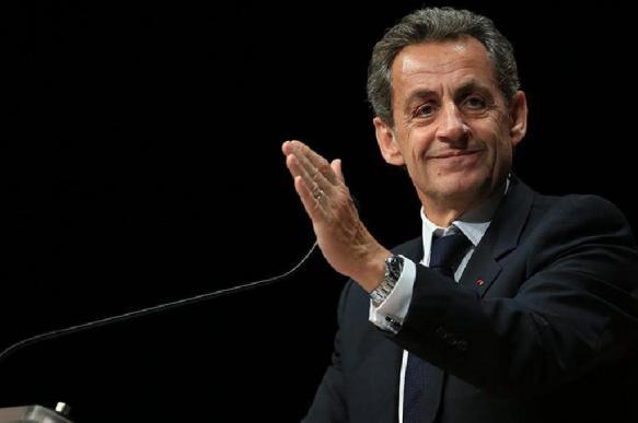 """Экс-президент Франции объяснил, почему """"Запад приходит в упадок"""""""