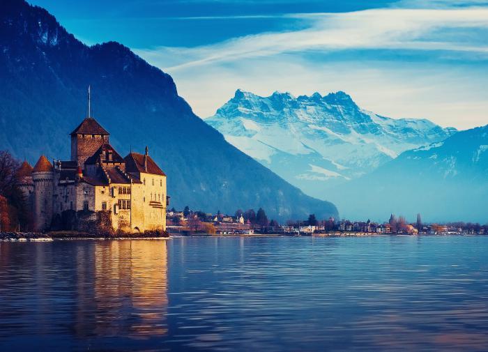 Россиянам вновь придётся пройти карантин при поездке в Швейцарию