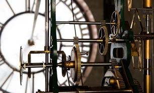 Созданы настенные часы с тенью