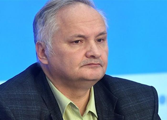 Лукашенко с автоматом – символ. Он готов на всё ради власти - политолог