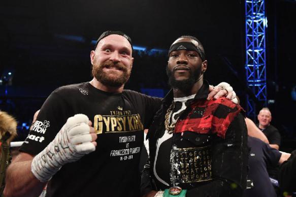 Отец Тайсона Фьюри посоветовал сыну завершить карьеру боксера