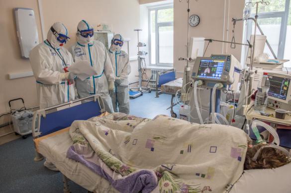 В Петербурге почти 800 медиков, заболевших COVID-19, получат выплаты