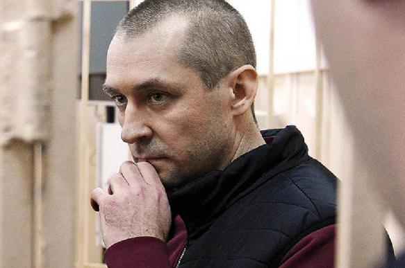 """Обнаружен """"друг"""" Захарченко, который не хуже самого полковника"""