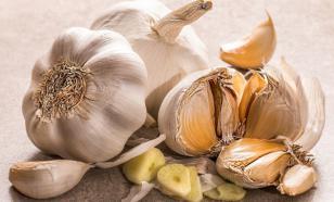 Яблоко назвали лучшим средством от запаха чеснока