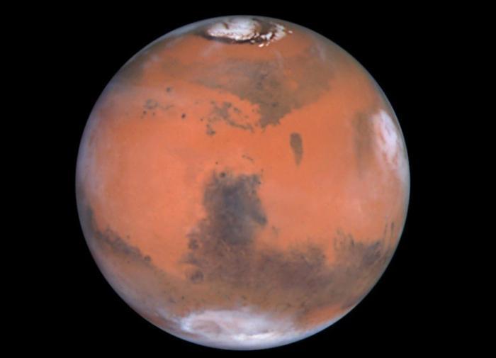 Итальянские учёные нашли солёные озера под полярной шапкой Марса