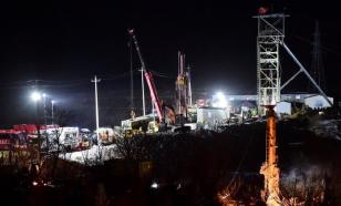Заваленные 7 дней назад в шахте китайские горняки подали признаки жизни