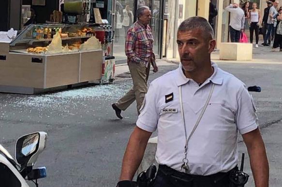 На пешеходной улице Лиона прогремел взрыв: очевидцы сообщают о подозрительном свертке