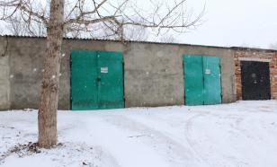 В Красноярске в гараже обнаружили тела двоих мужчин
