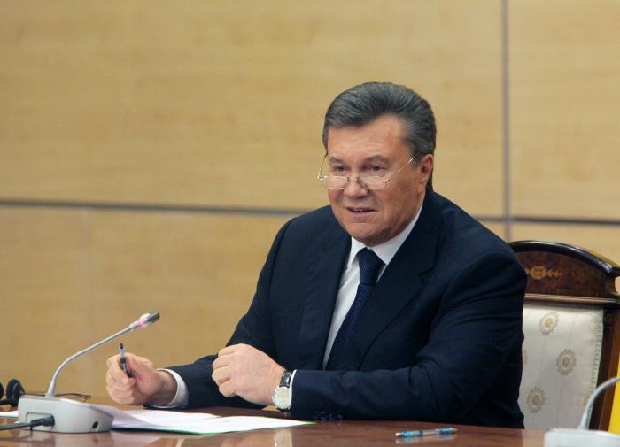 Суд ЕС впервые отменил санкции против Януковича и его сына