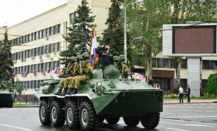 В Донецке проходит парад, посвященный 75-летию Победы
