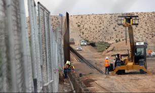 Верховный суд разрешил Трампу взять 2,5 млрд долларов на стену