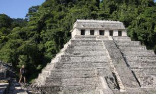 Археологи нашли в Чичен-Ице плиту с 1000-летним текстом племени майя
