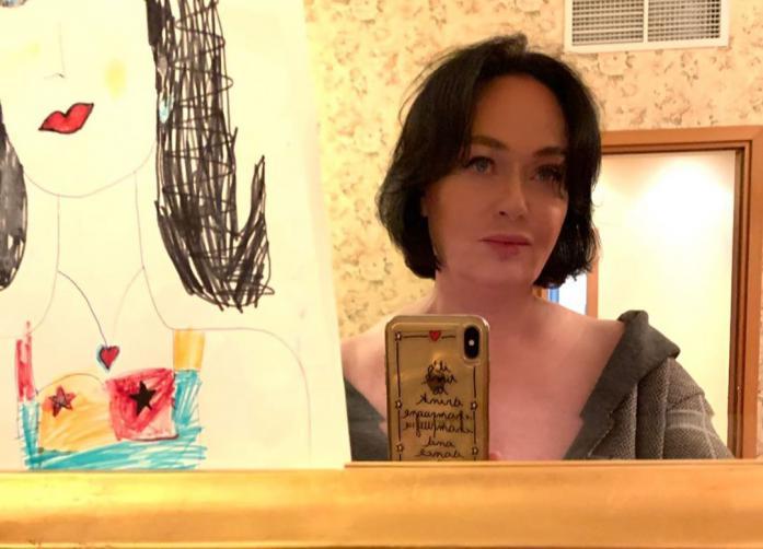 Лариса Гузеева показала рисунок дочери