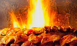 В Молдавии мужчина устроил шашлык на Вечном огне
